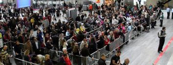 Havalimanında yolcular